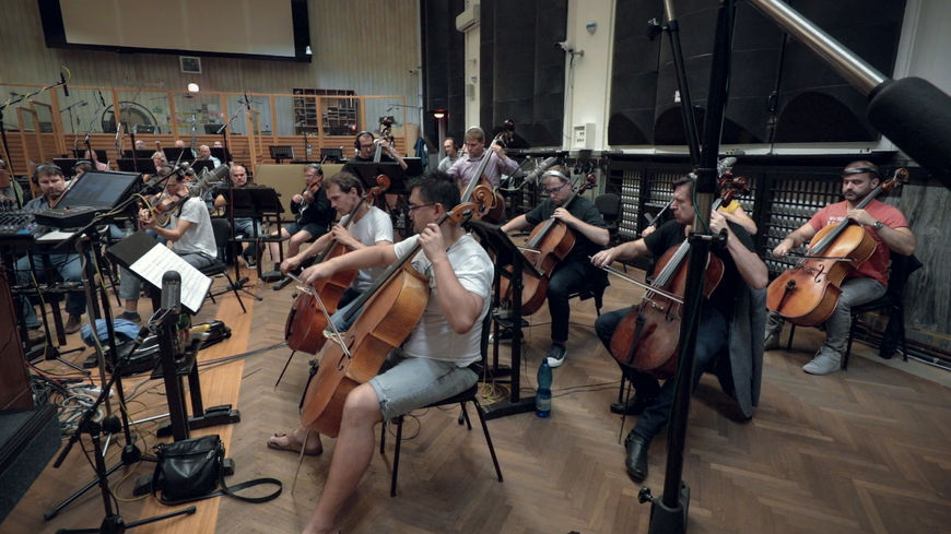 IMAGE: BTS - Orchestra recording lower